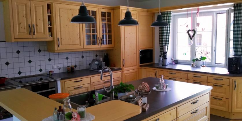 Beleuchten Sie Ihre Kücheninsel mit Industrielampen