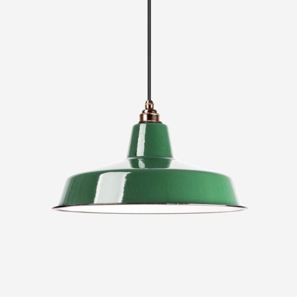 Vintage Industrieleuchte mit Lampenschirm aus emailliertem Stahlblech Dunkelgrün mit Textilkabel Schwarz und Fassung Old English